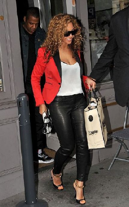 Look like a star in a red blazer, but just like Beyonce, wear it with cool colours such as black, white, grey or beige.