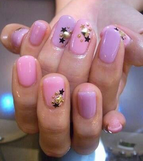 This is one great idea for someone who likes a simple colour with a little glam.