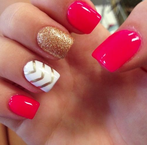 Amazing red, white and gold glitter with chevron nail art design.