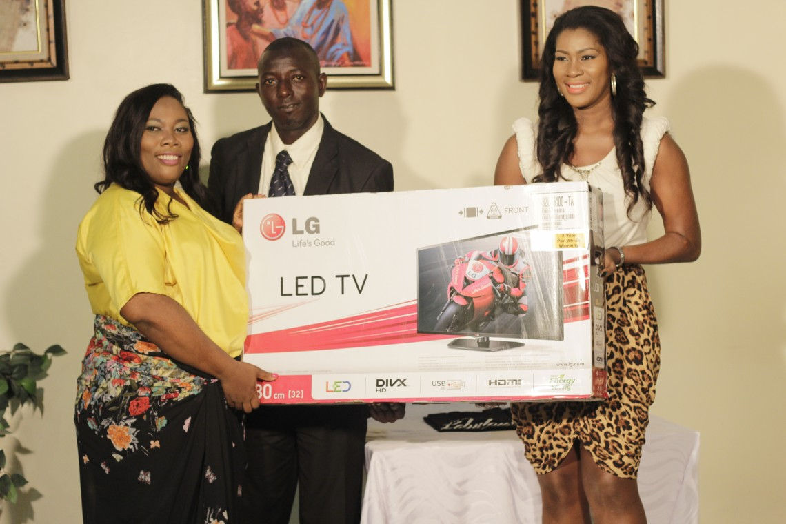 Of course, I wasn't going to leave without giving them some gifts. Big thanks to LG Electronices, our sponsors for this LED TV.