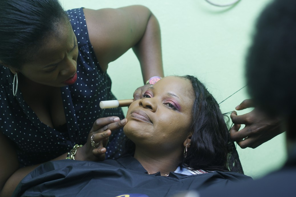 And for her makeup, the talented Kunbi of Sitpretty Makeovers did not disappoint.