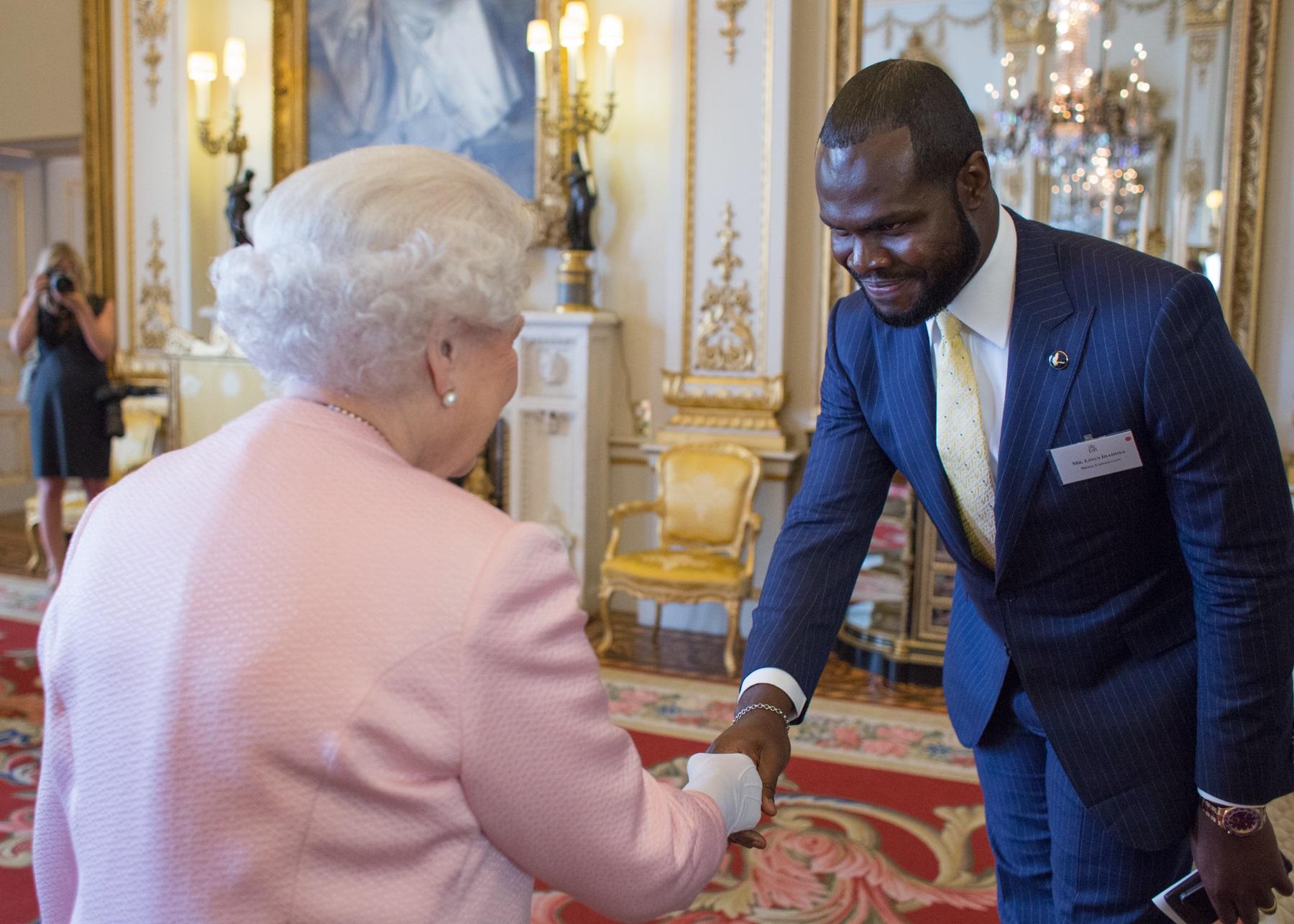 meeting the queen2