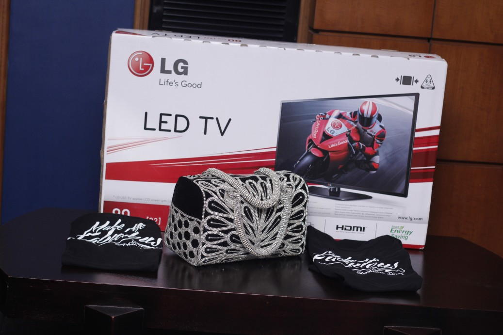 Many thanks to LG Electronics and Enthyst for the lovely gifts.