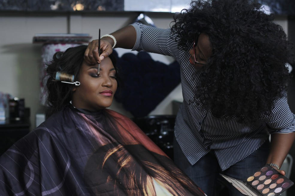 The team worked together with Celebrity Make-up Artist Kunbi of Sit Pretty Makeovers who glammed her up with the perfect makeover.
