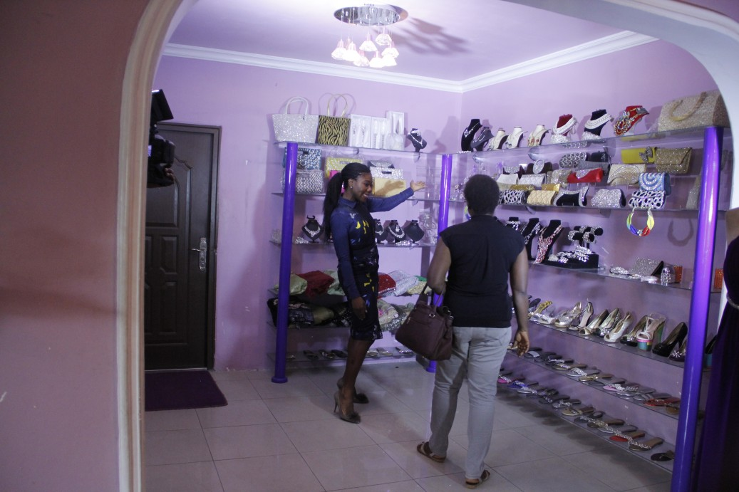First stop is the Enthyst Events & Bridals store where she meets up with Celebrity Stylist - Yummie who is set to glam her up for a dinner date with her husband!